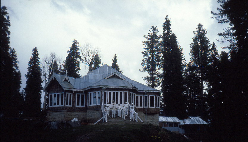 The Moguls hunting lodge in Gulmarg